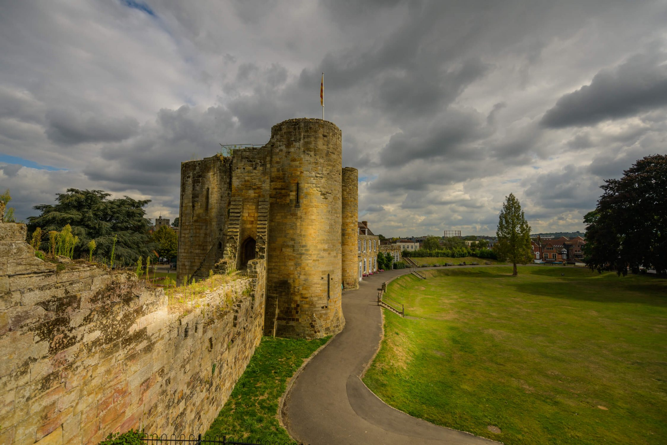 Tonbridge Castle walls